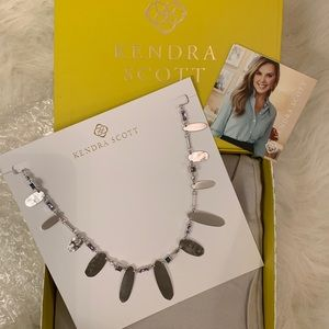 Kendra Scott Jewelry - Airella Silver Choker Necklace In Lilac Mix